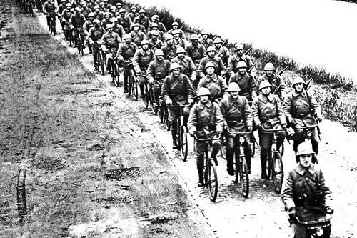 Nederlands leger op de fiets