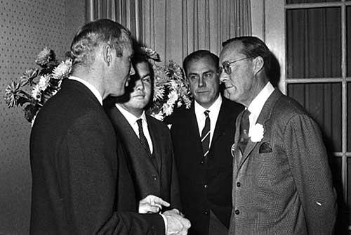Prins Bernhard met Ben Pon, Slotemaker en Henk van Solingen