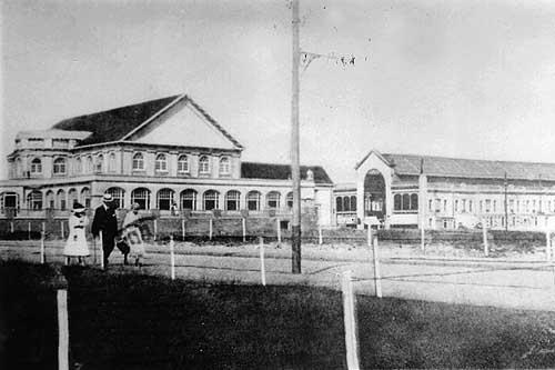 het Kurhaus met passage